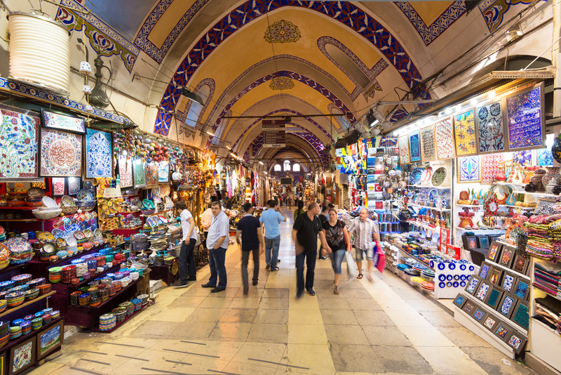 Foreigners in Turkish shopping frenzy as Istanbul stays on top