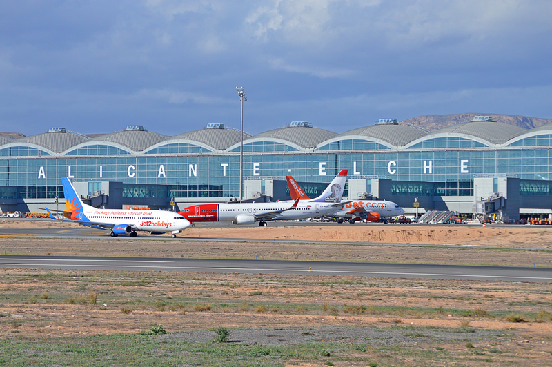 Aeroporto Alicante : Tourism s flying in alicante as highest number of