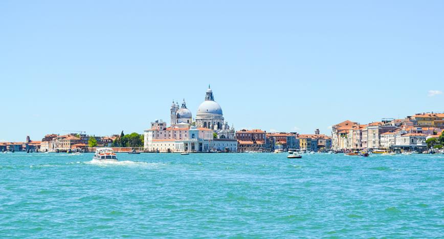 Investor appetite for Italy returns