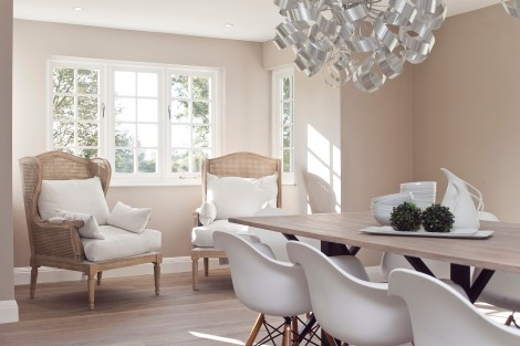 Sell your home faster this spring with these expert interior design tips!