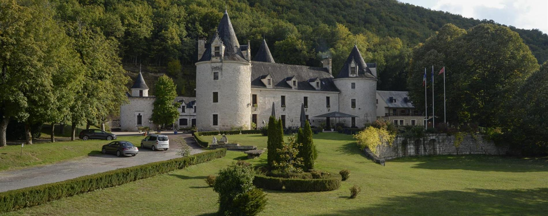 Be the king of your own castle in 2018 with these French châteaux
