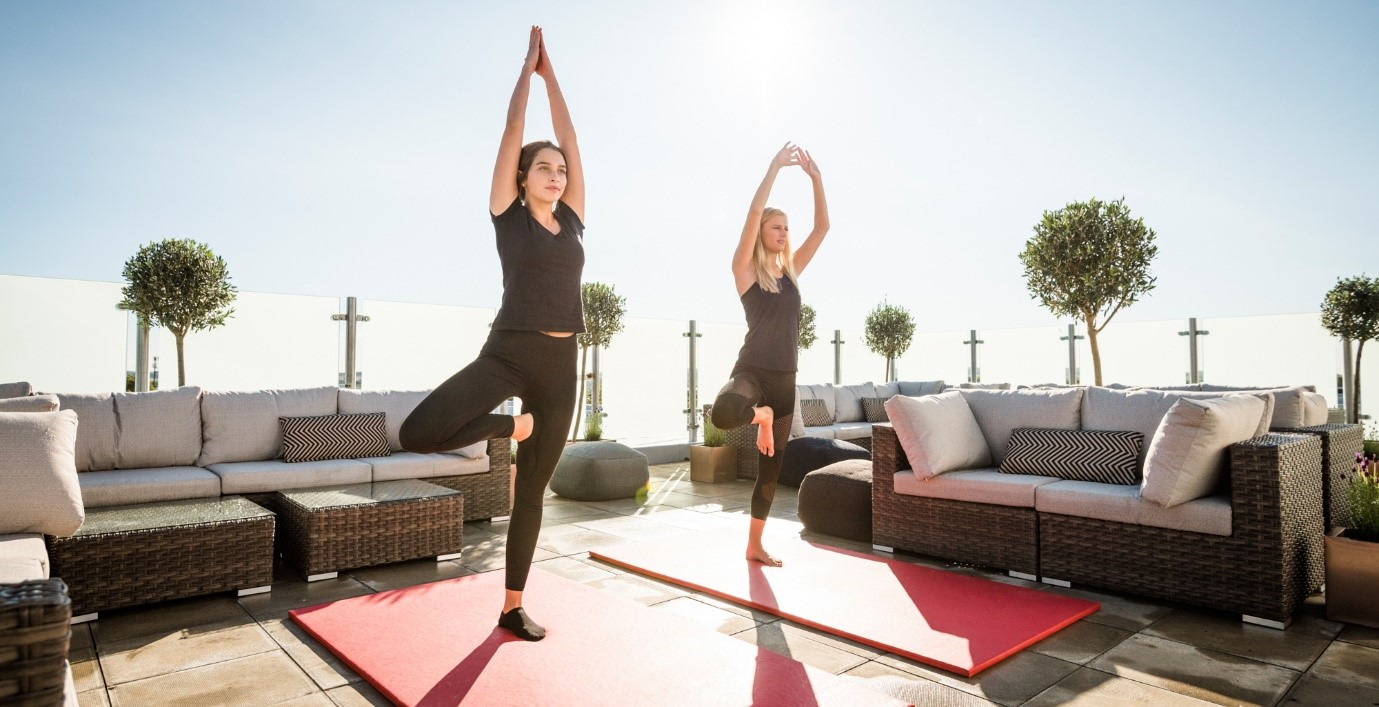 Students kick-start their 2018 fitness goals with cooking and cardio in luxury pads