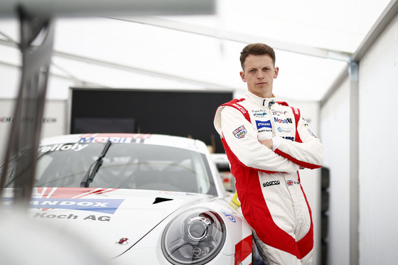 Surrenden Invest takes pole position as primary sponsor of British racing driver Nick Yelloly