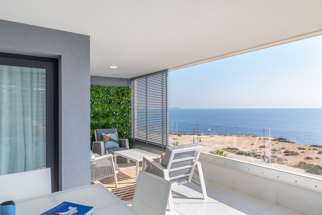 Taylor Wimpey España launches new beachfront homes, following record September sales